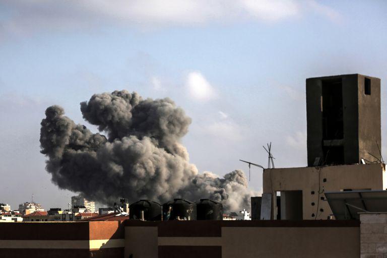 Δύο νεκροί κι ένας τραυματίας σε έκρηξη σε κτίριο στη Γάζα | tanea.gr