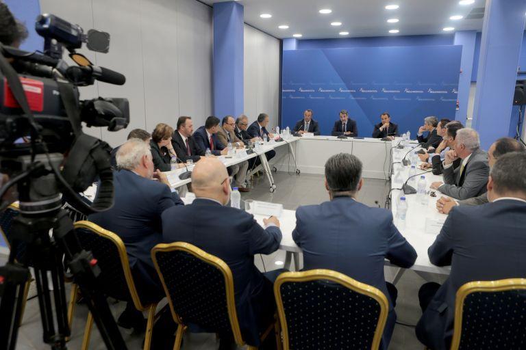 Μείωση φόρων υποσχέθηκε ο Μητσοτάκης στους δικηγόρους   tanea.gr