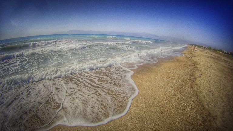 Αυτές είναι οι παραλίες που έχουν μέδουσες - Δείτε τον χάρτη | tanea.gr