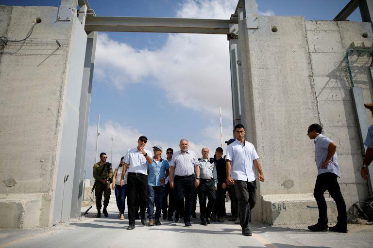 Το Ισραήλ ανοίγει το εμπορικό μεθοριακό πέρασμα με τη Γάζα   tanea.gr