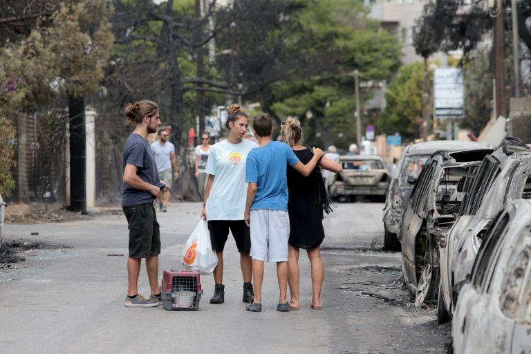 Σωφρονιστικοί υπάλληλοι και κρατούμενοι συνδράμουν τους πυροπαθείς   tanea.gr