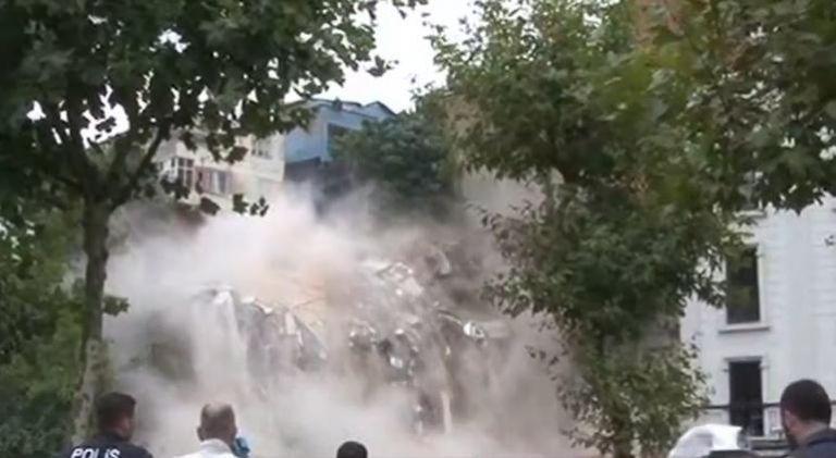 Κατάρρευση τετραώροφου κτιρίου στην Κωνσταντινούπολη | tanea.gr
