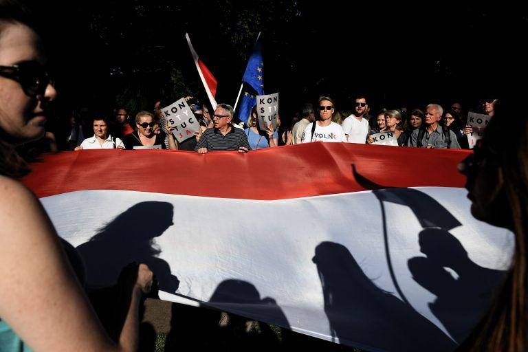 Πολωνία: Εγκρίθηκε ν/σ για την εκλογή προέδρου του Ανώτατου Δικαστηρίου | tanea.gr