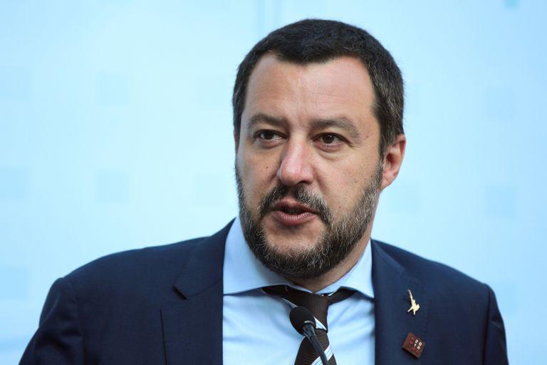 «Παραφροσύνη» το να κατηγορούνται οι Ιταλοί για ρατσισμό κατά τον Σαλβίνι | tanea.gr