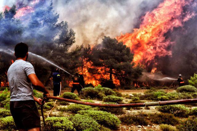 Μαίνεται η φωτιά στα Γεράνεια Ορη | tanea.gr