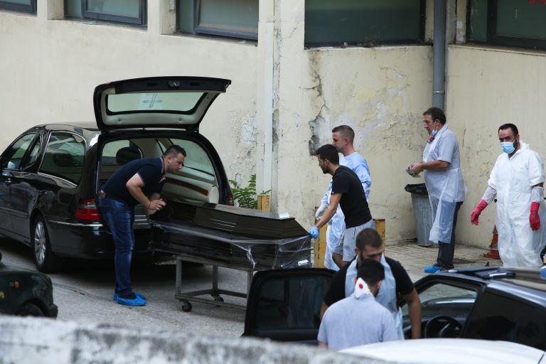 Αύριο εκτιμάται ότι θα ολοκληρωθεί η διαδικασία ταυτοποίησης των νεκρών | tanea.gr