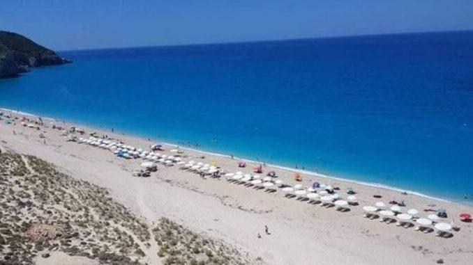 Λευκάδα: Κινητοποιήσεις κατοίκων για την αδειοδότηση της παραλίας Μύλος | tanea.gr