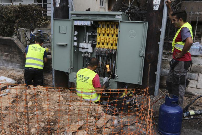 Δράση ΔΕΔΗΕ-ΥΠΕΝ για επανηλεκτροδότηση κτισμάτων στα καμμένα   tanea.gr
