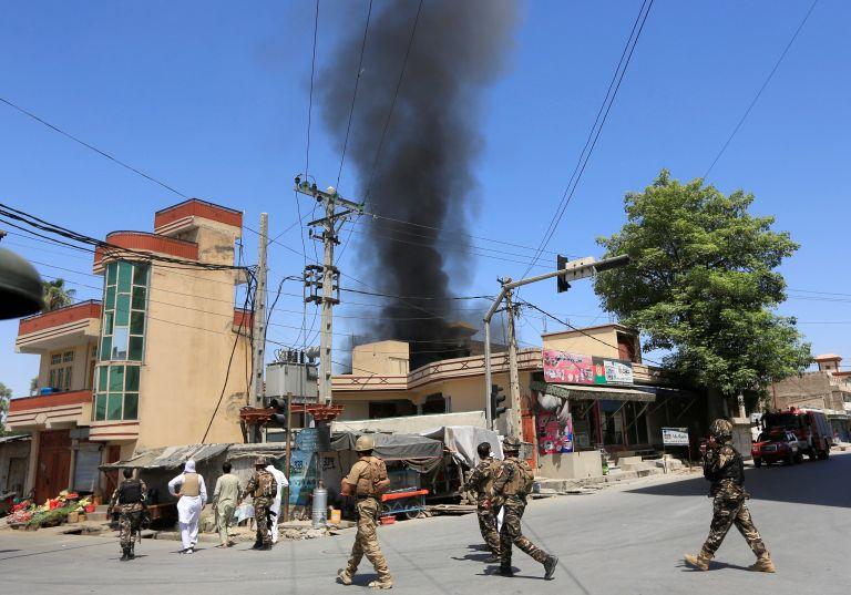 Αφγανιστάν: Τουλάχιστον 15 νεκροί από την επίθεση στην Τζαλαλαμπάντ | tanea.gr