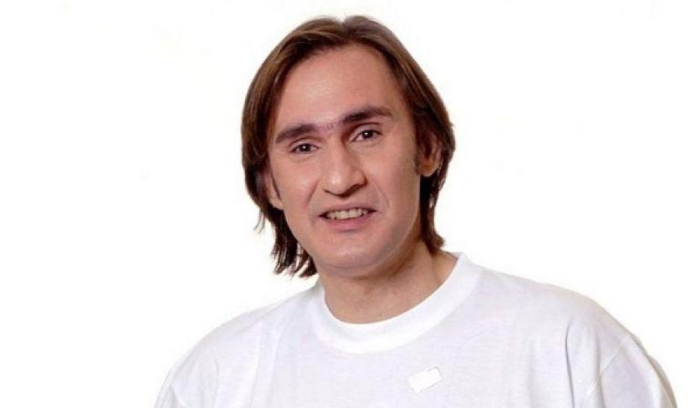 Ακης Σακελλαρίου : Συνεχίζεται η αγωνία για την υγεία του ηθοποιού | tanea.gr