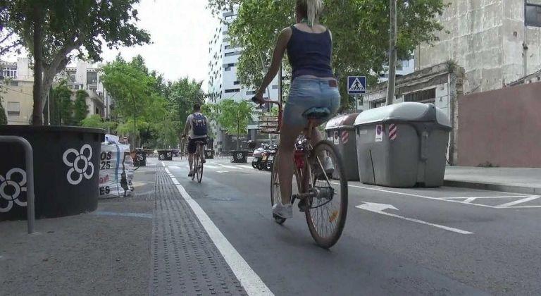 Η Βαρκελώνη αλλάζει με πάρκα και ποδήλατα στις γειτονιές | tanea.gr