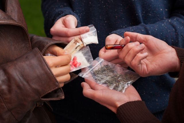 Εξαρθρώθηκε σπείρα ναρκωτικών στο κέντρο της Αθήνας | tanea.gr