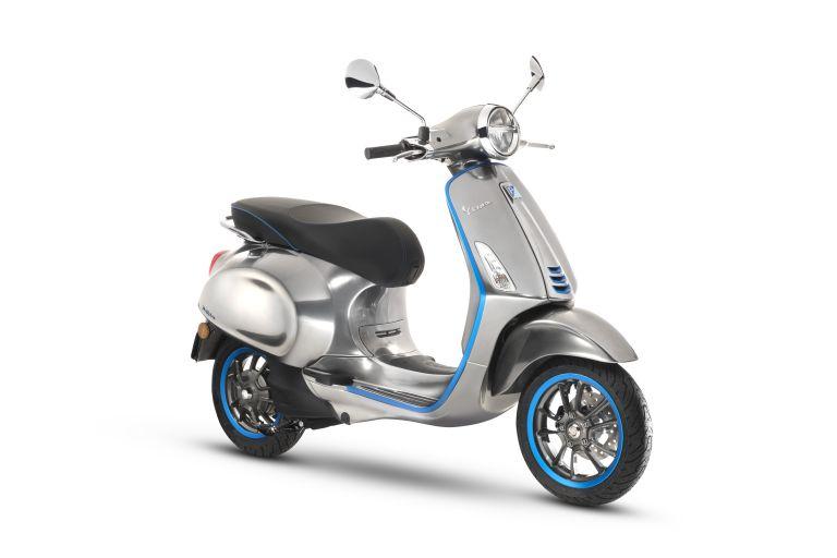 Piaggio: Στην παραγωγή η ηλεκτρική Vespa, πότε ξεκινούν οι πωλήσεις | tanea.gr