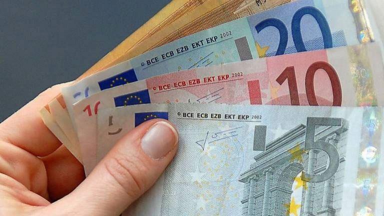 Επίδομα ανεργίας σε άνεργους εμπόρους | tanea.gr