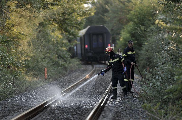 Εκτροχιασμός επιβατικού τρένου στη Λαμία – Δύο τραυματίες   tanea.gr