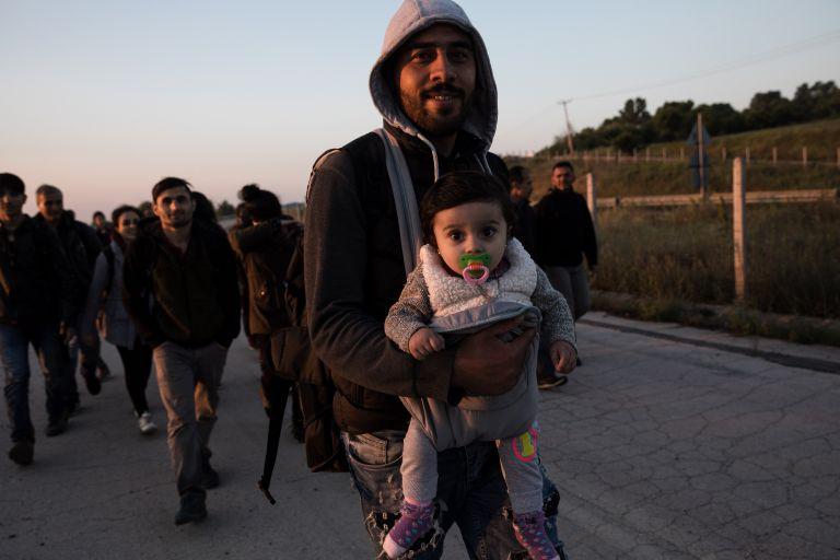 ΓΕΕΘΑ: Παραμένουν υπεράριθμοι οι πρόσφυγες στις δομές φιλοξενίας | tanea.gr