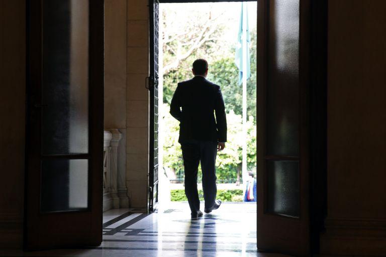 Μαξίμου για ΝΔ: Αναπόσπαστο κομμάτι το παλαιού πολιτικού συστήματος | tanea.gr