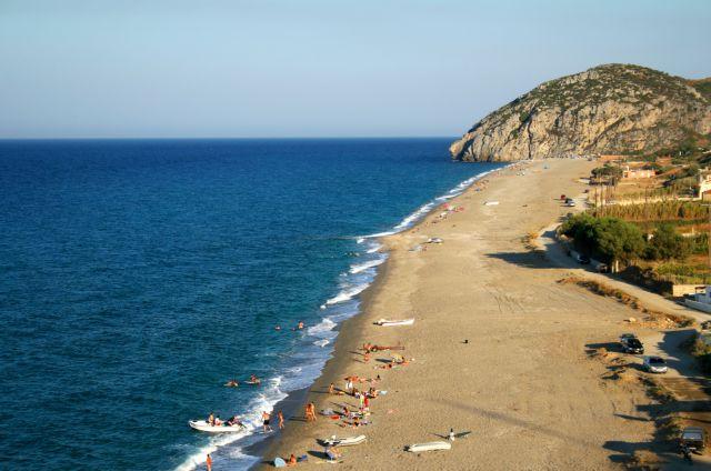 Ιδανική παραλία για θαλάσσια σπορ | tanea.gr