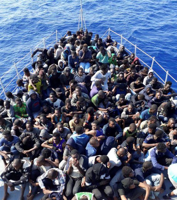 Τους έβγαλαν από το νερό και τους έστειλαν πίσω!   tanea.gr