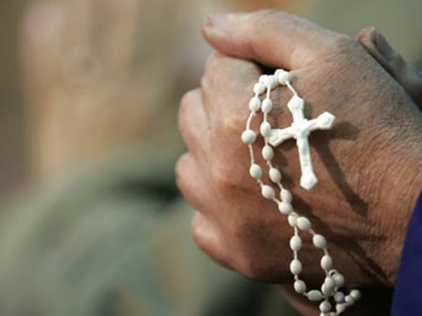 Σοκ: Θύματα βιασμών από ιερείς τουλάχιστον 1.000 παιδιά | tanea.gr