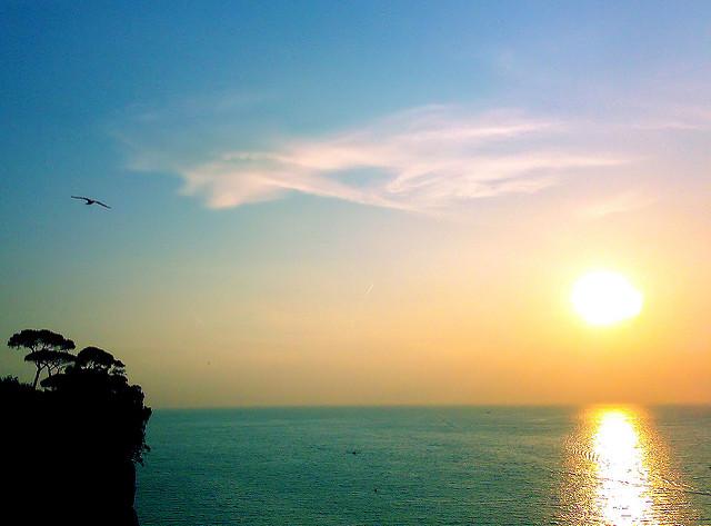 Καιρός το Σαββατοκύριακο: Λιακάδα, ισχυροί άνεμοι και τοπικές μπόρες | tanea.gr
