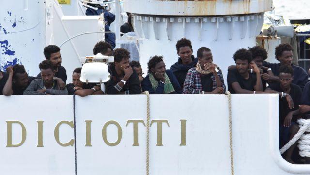 ΕΕ-Ιταλία: Άκαρπες οι συνομιλίες για την τύχη των μεταναστών στο πλοίο Diciotti | tanea.gr