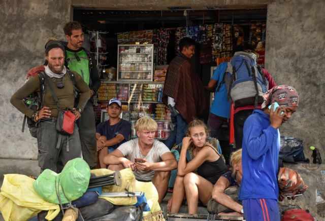 Ινδονησία : Σε εξέλιξη επιχείρηση απομάκρυνσης 900 τουριστών | tanea.gr
