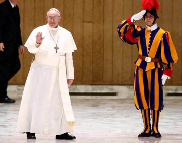 Πάπας: Η Εκκλησία δεν έδρασε κατάλληλα στο θέμα της παιδεραστίας | tanea.gr
