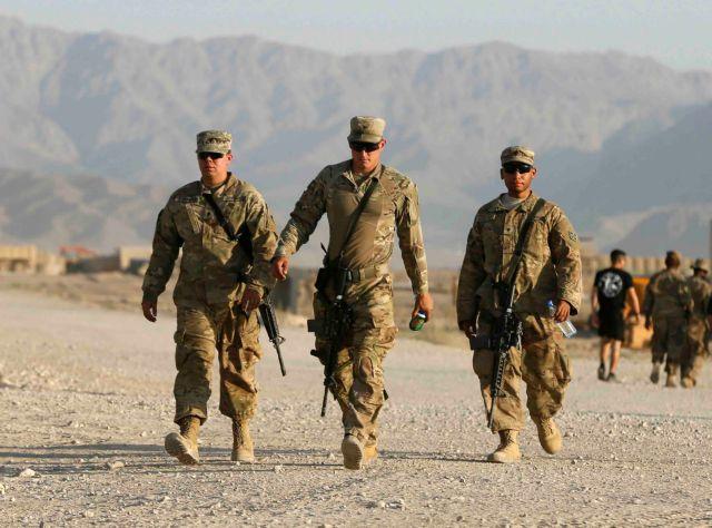 Νεκρά τρία μέλη του ΝΑΤΟ μετά από επίθεση αυτοκτονίας | tanea.gr