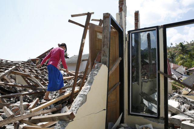 Μακραίνει η λίστα των νεκρών από το φονικό σεισμό – Έφτασαν τους 436 | tanea.gr