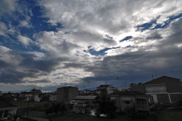 Αίθριος ο καιρός την Παρασκευή με συννεφιές | tanea.gr
