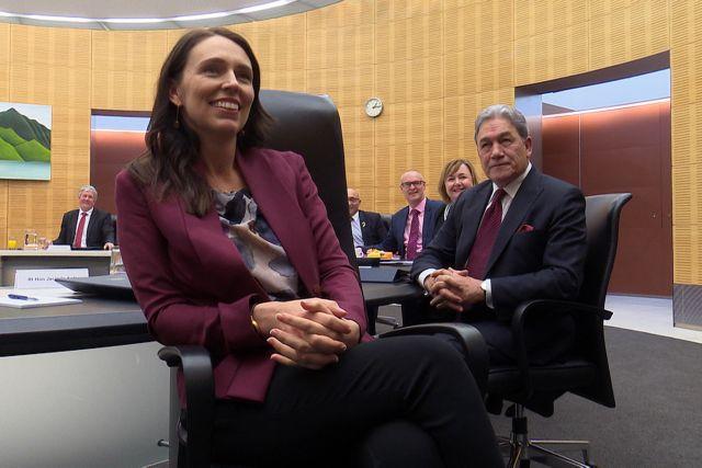 Επέστρεψε στα έδρανα η πρωθυπουργός της Νέας Ζηλανδίας | tanea.gr