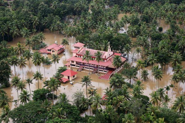 Εκτοξεύτηκε στους 164 ο αριθμός των νεκρών από τις πλημμύρες στην Ινδία | tanea.gr