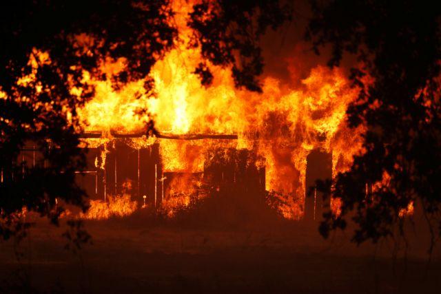 Στους επτά οι νεκροί από την πυρκαγιά στην Καλιφόρνια | tanea.gr