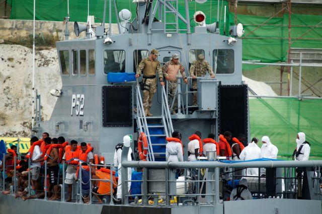 Διάσωση 100 μεταναστών – Συνεχίζεται η περιπέτεια των 177 μεταναστών του Diciotti | tanea.gr