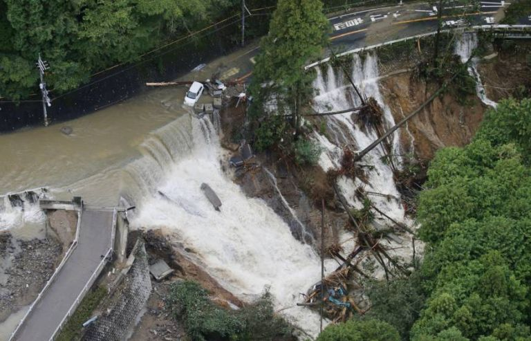 Ισχυρός τυφώνας «χτυπάει» την Ιαπωνία | tanea.gr