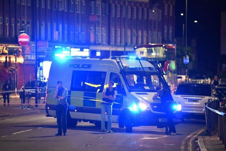 Δυο ένοπλες επιθέσεις στο Λονδίνο, τρεις τραυματίες | tanea.gr