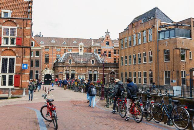 Μέτρα στο Αμστερνταμ λόγω της βίας στην Κόκκινη Συνοικία | tanea.gr