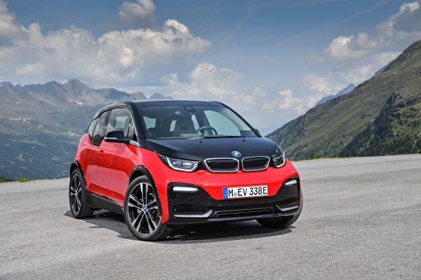 Γκαζώνουν οι πωλήσεις των ηλεκτρικών – υβριδικών της BMW | tanea.gr