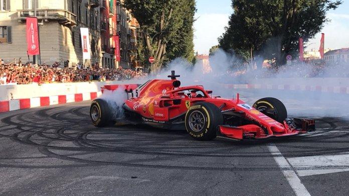 Απίστευτο! Ο Φέτελ τράκαρε την Ferrari του σε δημόσιο δρόμο στο Μιλάνο | tanea.gr