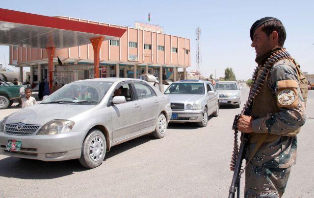 Αφγανιστάν: Ρουκέτες έπληξαν περιοχή κοντά στο προεδρικό μέγαρο | tanea.gr