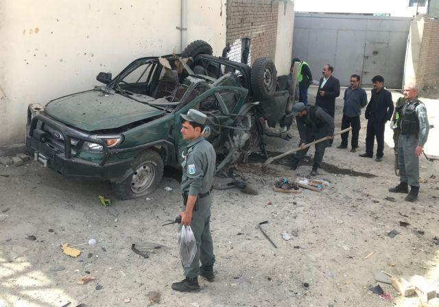 Αφγανιστάν: 14 νεκροί και δεκάδες όμηροι σε επίθεση Ταλιμπάν | tanea.gr