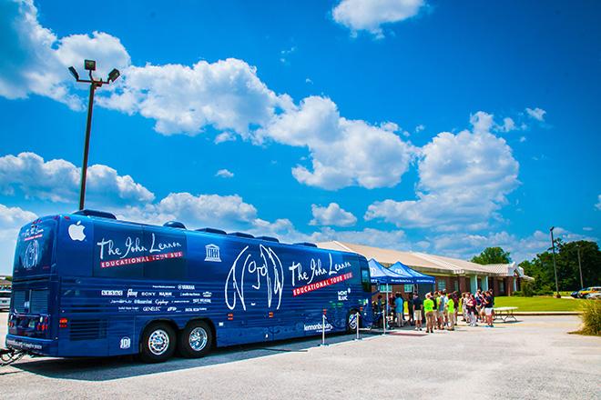 Το «Λεωφορείο Τζον Λένον» περιοδεύει στη Νέα Υόρκη | tanea.gr