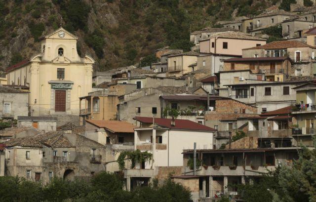 Ιταλία: Οκτώ άνθρωποι σκοτώθηκαν όταν παρασύρθηκαν από χείμαρρο | tanea.gr