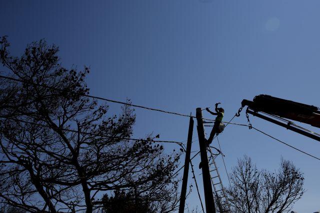 ΟΤΕ: Αποκαθίστανται σταδιακά τα δίκτυα στις πυροπληκτες περιοχές | tanea.gr