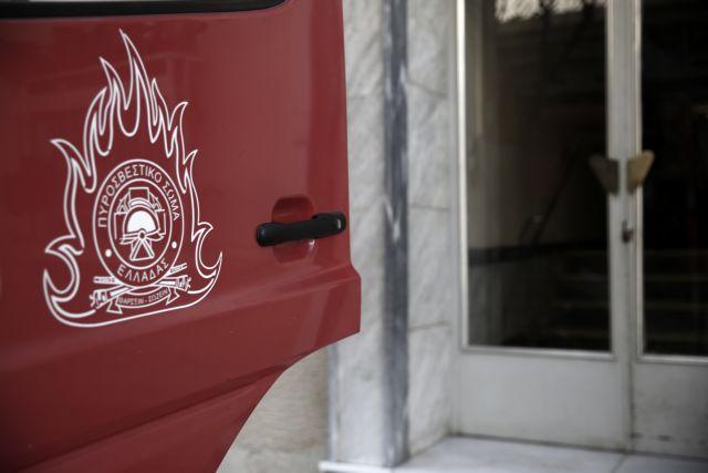 Υπό έλεγχο η φωτιά σε διαμέρισμα στη Νίκαια   tanea.gr