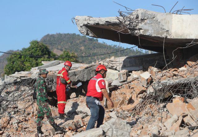 Ινδονησία: 131 οι νεκροί από το σεισμό | tanea.gr