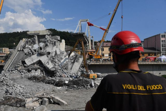 Γένοβα: Ανασύρθηκαν ακόμα δύο σοροί από τα συντρίμια της γέφυρας | tanea.gr