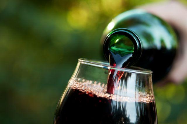 Κατάργηση του ΕΦΚ στο κρασί ζητούν οι οινοπαραγωγοί | tanea.gr