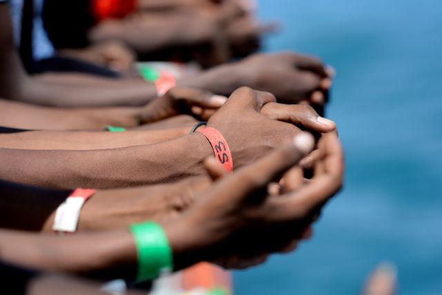 Μάλτα: Απελαύνονται 120 μετανάστες – Συνεχίζεται η κόντρα με την Ιταλία | tanea.gr